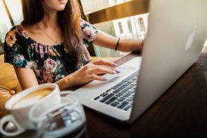 Czy warto korzystać z usług wirtualnej asystentki?