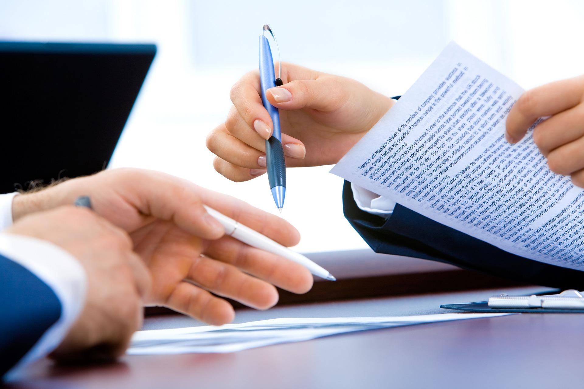 EXLIBRA - Czy warto korzystać z usług firm rekrutacyjnych?